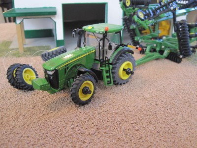 Custom Green 8400r Tractor